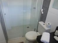 Banheiro higienizado.